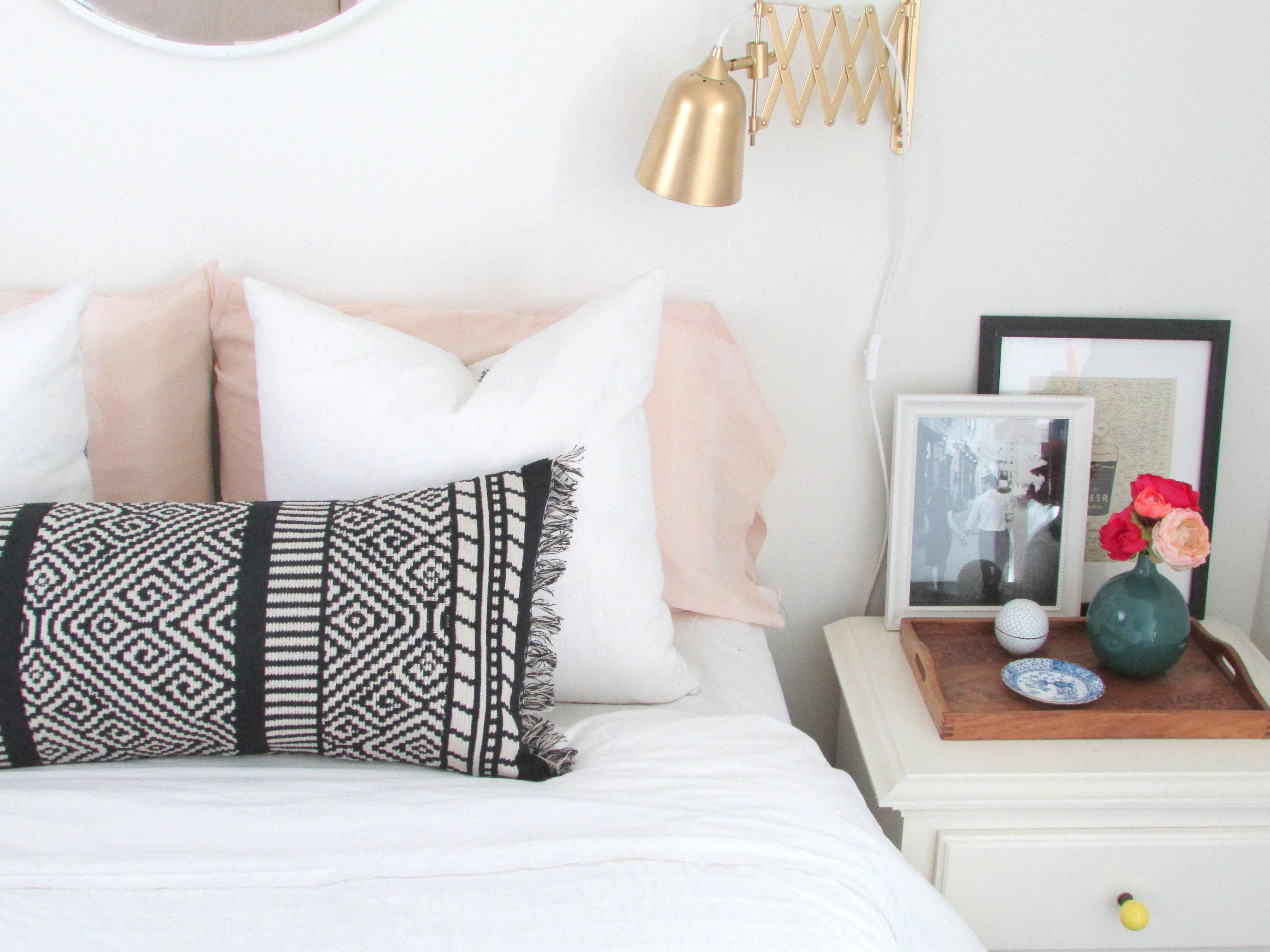 Make a Boho Lumbar Pillow from a Table Runner Francois et Moi