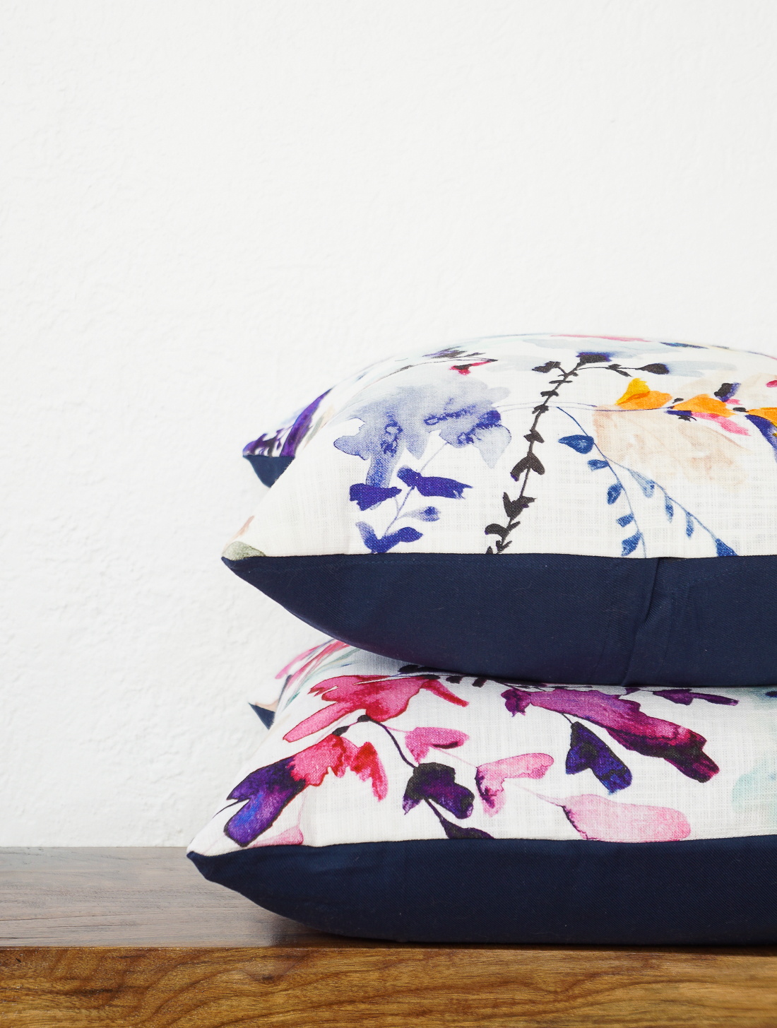 The pillow backings are plain affordable navy napkins from World Market and the tutorial is one of my contributor pieces for Sugar \u0026 Cloth this month ... & The Easiest DIY Pillows EVER: No-Sew Envelope Pillows Made from ... pillowsntoast.com